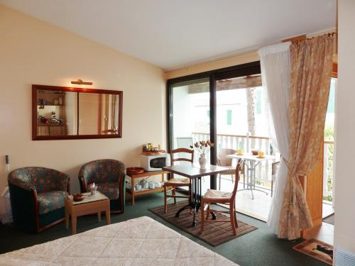 location ile de r photos chambre d 39 h tes a sainte marie. Black Bedroom Furniture Sets. Home Design Ideas
