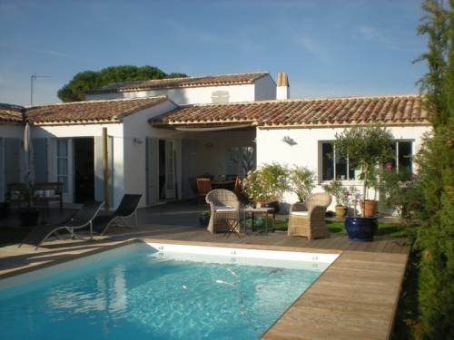 Location ile de r belle maison neuve pleine de charme for Location villa ile de re avec piscine