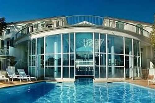 location ile de r studio t1bis 3 pierre vac st martin en r piscine sauna parc. Black Bedroom Furniture Sets. Home Design Ideas