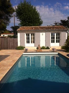 Location ile de r photos location a les portes for Petite maison avec piscine