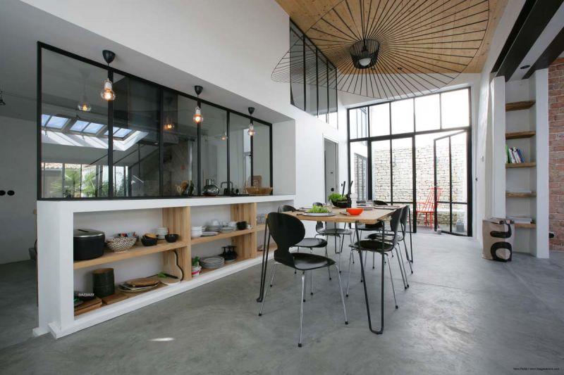 location ile de r maison contemporaine r nov e charme au coeur du village d 39 ars en r. Black Bedroom Furniture Sets. Home Design Ideas