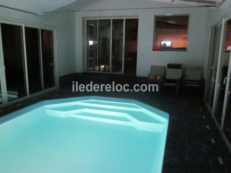 Location ile de r villa standing piscine couverte - Location maison avec piscine couverte ...