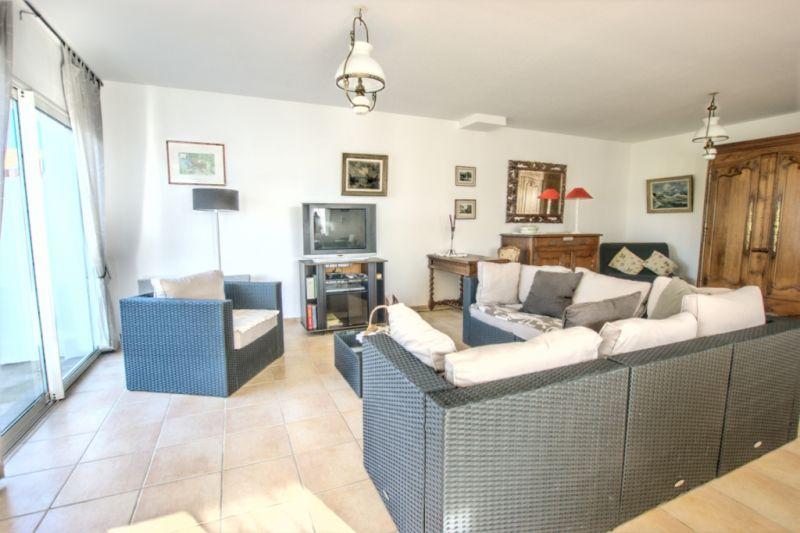 location ile de r photos location a sainte marie. Black Bedroom Furniture Sets. Home Design Ideas