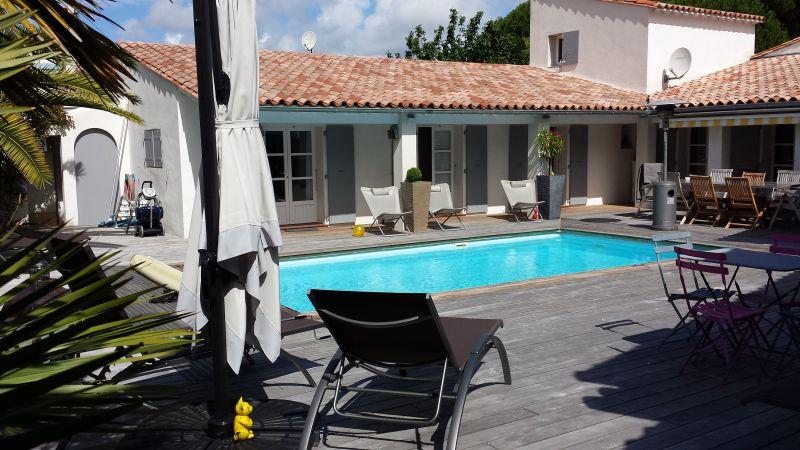 location ile de r maison a louer avec piscine