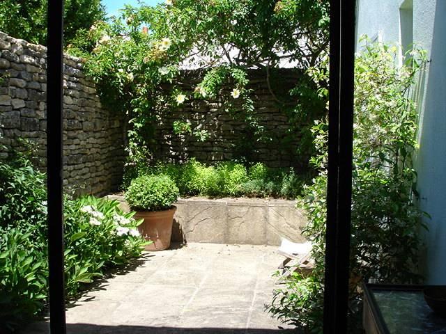 Location ile de r maison compos e de 2 chais s par s for Jardin principal location