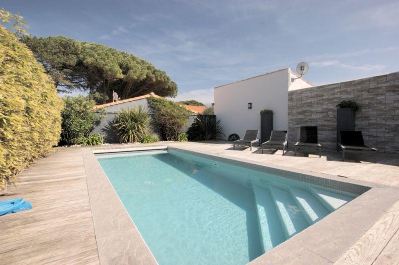Location Ile De R  Tres Belle Villa Avec Piscine Chauffee A Bois