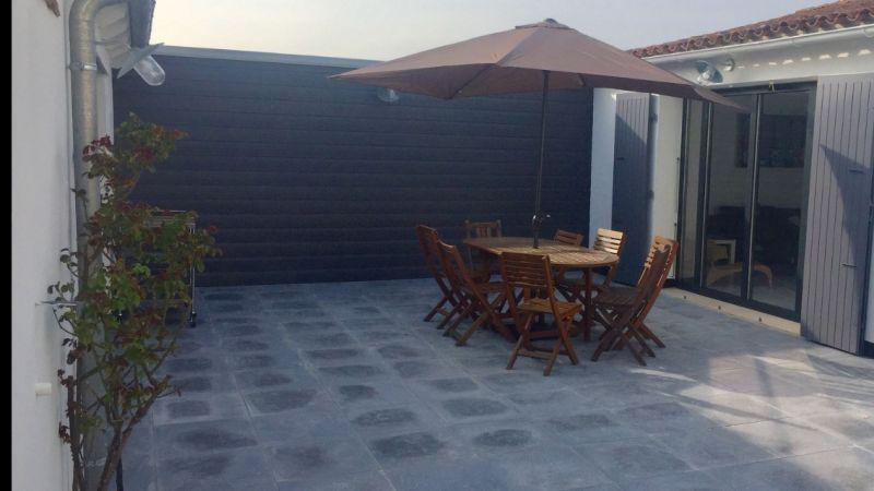 location ile de r maison de 90m2 centre du bois plage. Black Bedroom Furniture Sets. Home Design Ideas