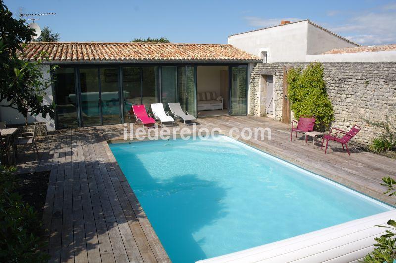 Location ile de Ré : Charmante maison avec piscine chauffée et ...